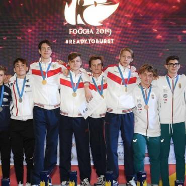 Рапиристы — чемпионы Европы среди кадетов
