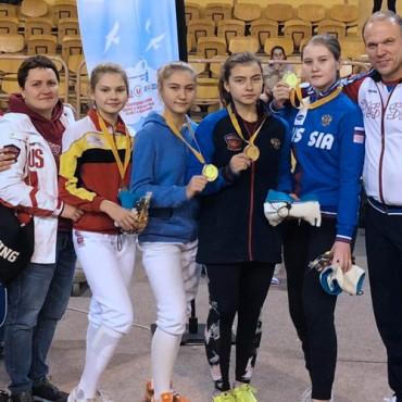 Бронзовые медали командной рапиры во Франции