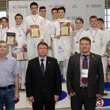 Золотые достижения шпажистов на Первенстве России среди спортсменов до 15 лет