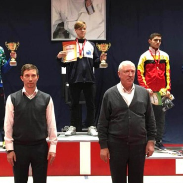 «Золото» и «бронза» рапиристов на турнире памяти Сергея Шарикова