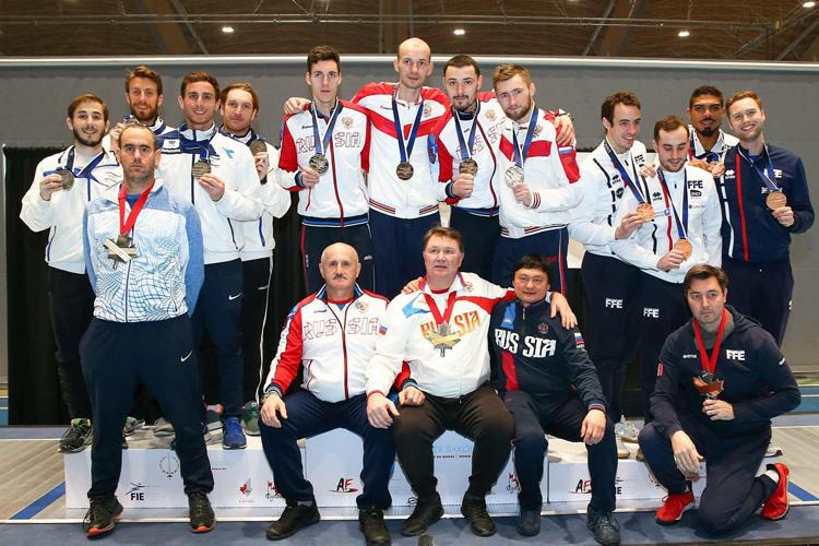 Золотая медаль из Канады