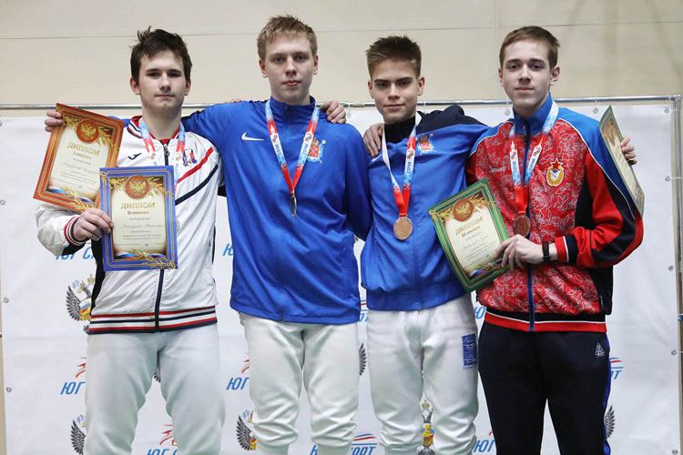 Первенство России среди кадетов: золото и бронза саблистов
